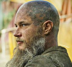 Ragnar Lothbrok Vikings, Ragnar Lothbrok Haircut, Vikings Tv Show, Vikings Season 4, Bracelet Viking, Viking Jewelry, Bad Beards, Beard Boy, Norse Mythology