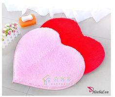 Thảm lót trái tim xinh xắn chống trượt 40*50cm ( Loại 1)Thảm lót trái tim xinh xắn chống trượt 40*50cm ( Loại 1) chỉ với 65.000 Đồng tại Hotbid.vn - Sang trọng, tươi trẻ , chống trượt - Sáng bừng không gian nhà bạn có 6 màu thoải mái lựa chọn. ĐIỀU KIỆN: Áp dụng cho sản phẩm Thảm lót trái tim xinh xắn chống trượt 40*50cm (không bù tiền). • Một khách hàng có thể mua nhiều sản phẩm. • Không áp dụng đồng thời với các chương trình khuyến mãi khác. • Không tăng giá sản phẩm trong suốt thời gian…
