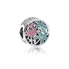 Ein tropisches Design mit Flamingo und Palmen wird durch funkelnde Cubic Zirkonia Steine in kräftigen Farben zum Leben erweckt. Dieses außergewöhnliche Charm bringt einen Hauch von Sommer an jedes Armband.