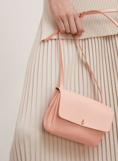 Vachetta leather that only gets better with time. Auxiliary MICRO DALEN CROSSBODY | Aritzia