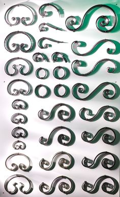 Элементы художественной ковки своими руками Wrought Iron Handrail, Wrought Iron Decor, Wrought Iron Gates, Metal Projects, Metal Crafts, Steel Gate Design, Feature Wall Design, Metal Bending, Metal Gates