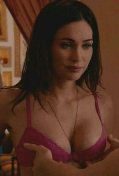 Fox Actress, Megan Denise Fox, Hardcore, Sexy Gif, Happy Women, Girl Gifs, Famous Women, Girl Pictures, Bikini Girls