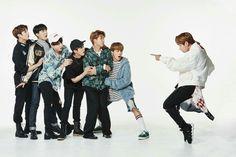 (2017 BTS FESTA) 2017 년방탄소년단 가족사진 (2/2)