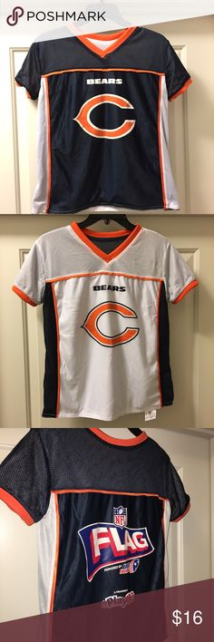 """Youth Chicago Bears flag football jersey Sz: M for sale is an NFL FLAG, Chicago bears youth, reversible, short sleeve jersey. One side of his jersey is blue,  turn it inside out and it's white. Two jerseys in one.   Sz: M  If you have any questions or would like additional photos please feel free to ask. Please you my other listings, I offer free shipping on everything.   Please you the measurements  From under one arm to under the other measures approximately 18""""   From the top of the…"""