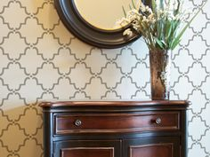 Use this Moorish Trellis stencil with metallic Ralph Lauren paint to stencil an accent wall