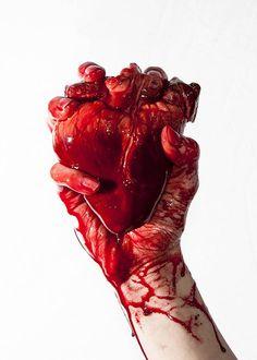 Arráncame el corazón literalmente