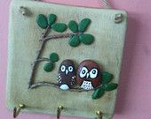 Giraffe pebble wall hanging by Pannellicrafts on Etsy
