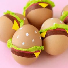 PAINT YOUR EASTER EGGS TO LOOK LIKE HAMBURGERS THIS YEAR #FWx