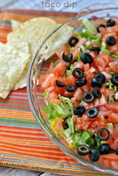 21 Healty Chip-Dip Recipes That Taste Sinful: Healthy Taco Dip with Greek Yogurt, Roma Tomatoes, Romaine Lettuce, Black Olives, Reduced Fat Cheddar Cheese Healthy Chips, Healthy Tacos, Healthy Food Choices, Healthy Recipes, Healthy Foods, Healthy Cooking, Cooking Recipes, Healthy Eating, Easy Cooking