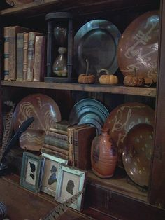Add a few Fall touches to my home.Linda B. Old Desks, Antique Books, Colonial Decorating, Decorating Ideas, Vignettes, Pewter, Fall Decor, Beautiful Homes, Eye Candy