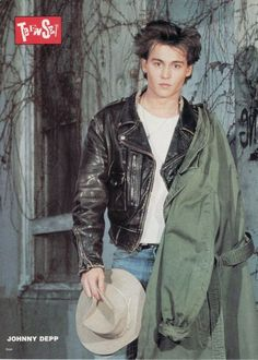 Men's leather jackets certainly are a vital component to each and every man's set of clothes. Men require jackets for several moments as well as some climate conditions. Men's Jacket Stylish. Young Johnny Depp, Here's Johnny, Johnny Depp Pictures, Johny Depp, Black Stallion, Don Juan, Man Set, Captain Jack Sparrow, Leather Men