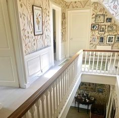 Love this Lewis and Wood wallpaper Traditional Decor, Traditional House, Wood Wallpaper, Wallpaper Ideas, Luxurious Bedrooms, Victorian Homes, Interior Design Inspiration, Interior Styling, Interior And Exterior