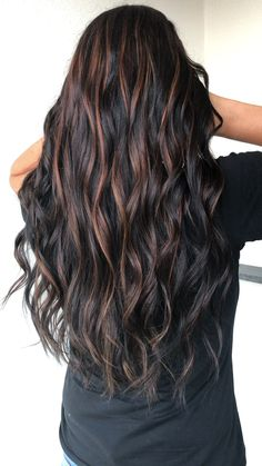Copper highlights 🔥 - Dark brown with copper hightlights 🔥🔥 Hair By Brenda - Medium Layered Haircuts, Medium Hair Cuts, Front Hair Styles, Curly Hair Styles, Hair Front, Dark Hair With Highlights, Balayage Dark Brown Hair, Dark Brown Hair With Highlights And Lowlights, Dark Brown Hair With Low Lights