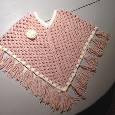 Kinderponcho 88 losse roze julia wol haaknaald 10