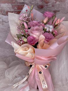 Pink Flower Bouquet, Pink Flowers, Floral Arrangements, Dance Recital, Pretty, Buen Dia, Floral Bouquets, Flower Arrangement, Flower Arrangements