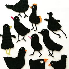 Little sense of #autumn #birds #blackbird #friends #crochet #crocheting #freeformcrochet #instacrochet #crocheterofinstagram #crochet #crochetfun #birdsofinstagram #birdlovers #black #virkkaus #lintu