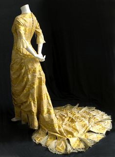 1876 gown