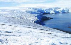 Las aguas solo se encuentran en estado liquido en las zonas donde la temperatura sube de 0ºC. En los polos las temperaturas son muy bajas po...
