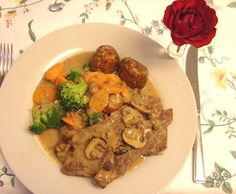 Jenny Eatwell's Rhubarb & Ginger: Ethically produced British Rose Veal in a mushroom, tarragon & cider sauce British Rose, Easy Meals, Simple Meals, Palak Paneer, Pot Roast, Eating Well, No Cook Meals, Healthy Recipes, Healthy Food