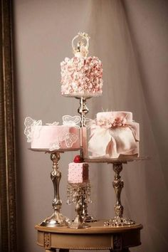 Pink Wedding Cakes The perfect set of pink cakes! Beautiful Wedding Cakes, Gorgeous Cakes, Pretty Cakes, Amazing Cakes, Ombre Wedding Dress, Wedding Dress Cake, Purple Wedding, Gold Wedding, Stage Patisserie