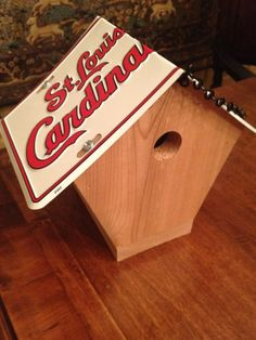 handcrafted st louis cardinals wren birdhouse in natural cedar fan license plate roof ready to