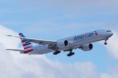American Airlines   Boeing 777-300ER @ GRU. (new livery)