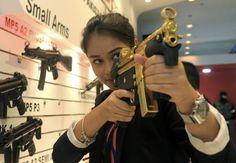 Exhibición de servicios de Defensa de Asia en Malasia. Visite nuestra página y sea parte de nuestra conversación: http://www.namnewsnetwork.org/v3/spanish/index.php #nnn #bernama #malaysia #malasia #rusia #pwtc #asia #armas #exhibicion #noticias #news