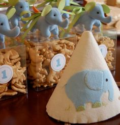 [Inspiration] Elephant in the Room 1st Birthday Ideas - Spaceships and Laser Beams