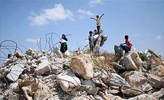 Israelis,Palestinians commemorate one year of Gaza war Check more at http://www.wikinewsindia.com/english-news/hindustan-times/world-ht/israelispalestinians-commemorate-one-year-of-gaza-war/