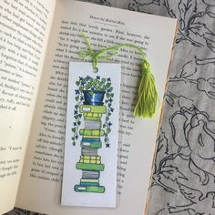 Flowery Houseplant and Lime Green Books Handmade Watercolor, Creative Bookmarks, Cute Bookmarks, Bookmark Craft, Bookmark Ideas, Handmade Bookmarks, Paper Bookmarks, Corner Bookmarks, Ribbon Bookmarks, Watercolor Books