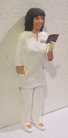 Dentista. Figura personalizada. regalo 40 aniversario. Papel maché. http://figurespapermaixe.blogspot.com