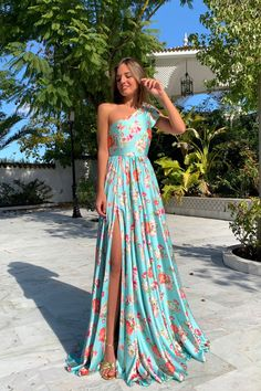 Floral Print One Shoulder Slit Maxi Dress Women's Best Online Shopping - Offering Huge Discounts on Dresses, Lingerie , Jumpsuits , Swimwear, Tops and More. Maxi Dress With Slit, Floral Maxi Dress, The Dress, Junior Bridesmaid Dresses, Prom Dresses, Summer Dresses, Moda Floral, Dress Outfits, Fashion Dresses