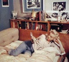 Imagem de Marilyn Monroe, book, and vintage Marilyn Monroe, The Love Club, Disney Planes, Flirting Quotes For Her, Thought Catalog, Funny Couples, Dance Moms, Old Movies, Book Nerd