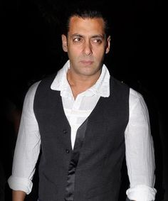 Salman Khan to fight with big villains in Dabangg 2!