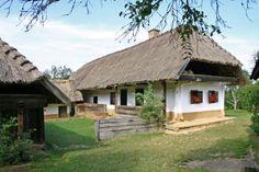 :: ŐRSÉGI SZÁLLÁSHELYEK - HÁRMASHATÁR - ŐRSÉG INFO - www.mediawavefestival.hu Malm, Hungary, Farmhouse, Cabin, House Styles, Nature, Folklore, Home Decor, Amazing