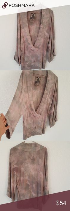 """Young Fabulous & Broke Pink BoHo Tie Dye Tunic S M Funky, rare tunic top from Young Fabulous & Broke in a size small medium. Deep v scoopneck front, semi dolman sleeves (no seams at underarms). Gray and pink tie dye pattern. 100% Jersey Modal, so soft. Chest approx 36"""", hard to measure as no side seams, sleeves 27"""", side of neckline to cuff, length 29"""". Young Fabulous & Broke Tops Tunics"""