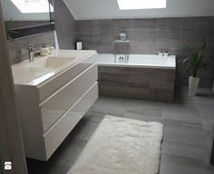 #lazienkazwanna - Średnia łazienka na poddaszu w bloku w domu jednorodzinnym z oknem - zdjęcie od zangel