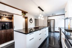 049 - Simard Cuisine et Salle de bains Kitchen Island, Kitchens, Sweet Home, Home Decor, Black Granite, Kitchen Modern, Puertas, Home Ideas, Room