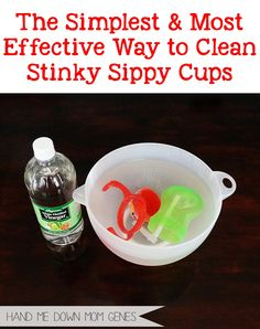 The simplest and most effective way to clean stinky sippy cups from Hand Me Down Mom Genes #mommyhack #naturalcleaning