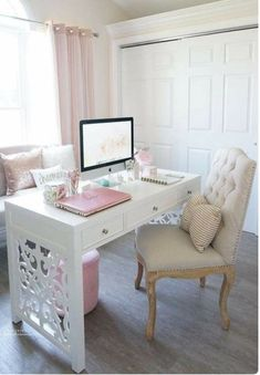 I am in the process of trying to decide what to do with my home office. As I look for ideas, I'm sharing some beautiful home office inspiration. Office Inspiration, Home Office Space, Home, Interior, Home Office Furniture, Shabby Chic Homes, Home Decor, Feminine Home Offices, Office Design