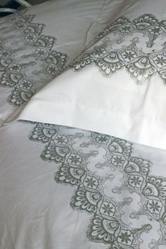 100% Egyptian Cotton 400 Thread Count SINGLE Duvet Cover with Oxford Pillowcases - Silver Lace
