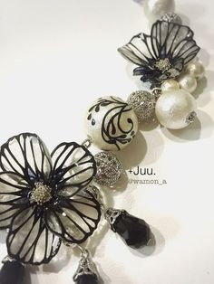 切り絵の花のネックレス/和文