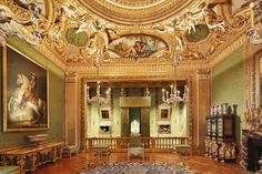 Why You Should Visit Vaux-le-Vicomte, Versailles' Magnificent Precursor Luís Xiv, French Formal Garden, Vaux Le Vicomte, Day Trip From Paris, Fantasy House, Fancy Houses, Hall Design, King Bedroom, French Chateau