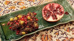 Oliver med granatäpple och valnötter - Zeytoon parvardeh Frisk, Beef, Food, Meat, Meals, Ox, Yemek, Eten, Steaks