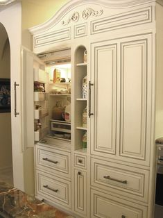 Rancho Santa Fe - traditional - kitchen - san diego - Design Moe Kitchen & Bath / Heather Moe designer. Integrated fridge.