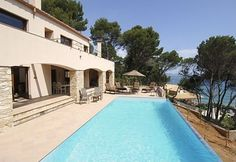 Les Medes, 3 bedroom villa less than 5 minutes walking to the beach of #Pals #Begur http://www.charmingvillas.net/costa-brava-area/les-medes.html