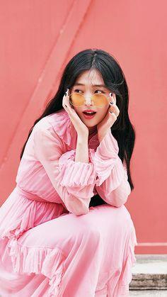 iPhone X wallpaper Sulli Choi, Choi Jin, My Girl, Cool Girl, Iphone 6 Plus Wallpaper, Sweet Peach, Kpop, Curly Hair Styles, Tulle