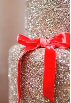 I couldn't get away with a glitter wedding cake, but a glitter party cake sounds wonderful~ minus red bow would make gorgeous birthday cake Glitter Party, Glitter Cake, Glitter Wedding, Red Wedding, Gold Glitter, Sparkly Cake, Wedding Bra, Glitter Uggs, Glitter Bomb