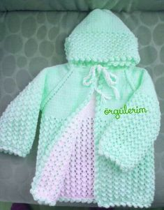 This post was discovered by Iz Easy Baby Knitting Patterns, Knitting For Kids, Knitting Designs, Crochet Patterns, Girls Knitted Dress, Knitted Baby Clothes, Diy Crafts Knitting, Kids Coats, Baby Cardigan