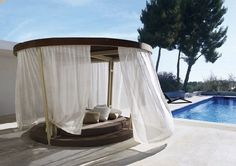 Lovely poolside cocoon for Cancers.  http://ariellesastrology.com